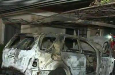 Vehículo incendiado en el Bo. Manorá de Asunción