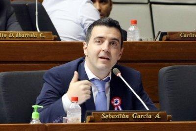 Diputado da positivo a test de Covid-19 y activan protocolo en el Congreso