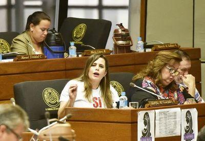 "Kattya considera que comisión ya ""blindó"" a responsables de estafas al Estado"