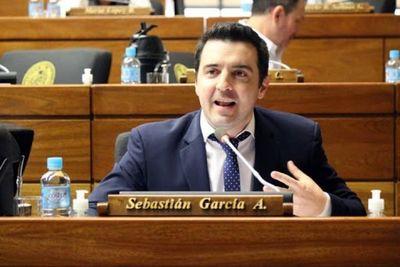 Salud Pública confirma que contactos de Diputado García ya están en cuarentena