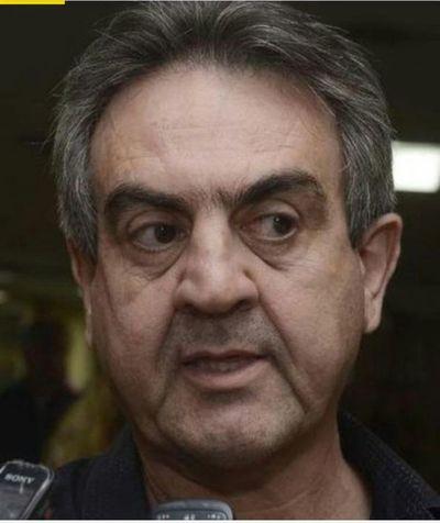 Denuncian a político de amenazar a policía con recurrir a un «amigo exviceministro»