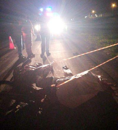 Motociclista muere atropellado por camión en Minga Guazú