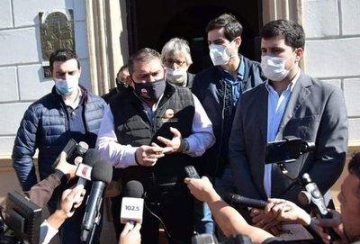 """Diputado denuncia """"manoseo político"""" en su supuesto positivo al COVID y culpa de ello al viceministro Rolón"""