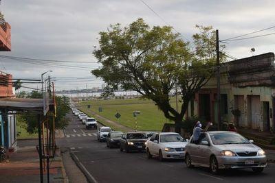 Caravana en apoyo al intendente de Encarnación