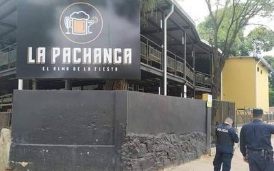 """HOY / Encargado de """"La Pachanga"""" da su versión: descarta aglomeración y afirma que sí cumplen protocolos"""