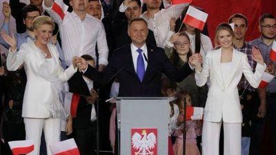Duda con leve ventaja en elección presidencial de Polonia