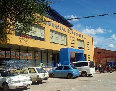 Director de la XI Región Sanitaria: Hubo un relajo en supermercado de Luque, por eso hay 45 positivos y se cerró por 15 días