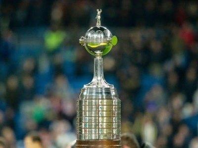 Rivales argentinos de paraguayos desean retrasar el retorno de la Libertadores