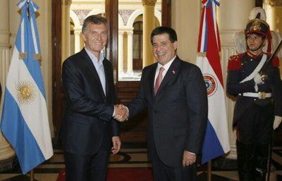 Macri ingresará al país para reunirse con Cartes