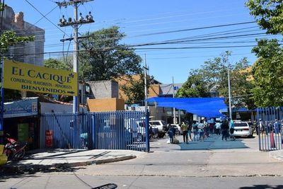 Hubo un relajo de la gente y por eso un supermercado está cerrado, señala intendente de Luque