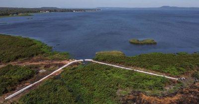 Avanza la colocación de geobolsas para recuperar el nivel del Lago Yparacaí