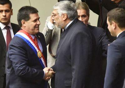 """""""Horacio Cartes está dentro de los presidentes comerciantes metido a político"""", dice Lugo"""