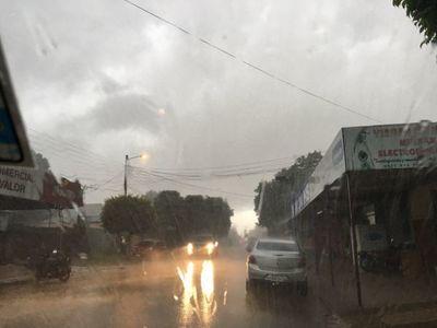 Frente frío y lluvias ligeras sobre la mayor parte del país