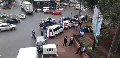 Camioneros cerraron ruta y exigen que se libere despacho menor para volver a trabajar