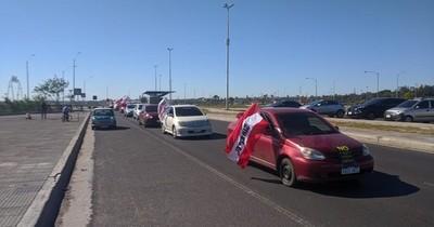 Copaco: nueva caravana de funcionarios en rechazo a la expropiación de tierras en Luque