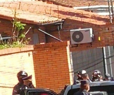 "HOY / Persecución policial termina con captura de presuntos ""delivery"" de droga"