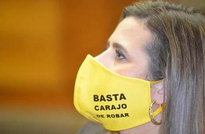 Diputada requiere los motivos de ingreso de Macri al país