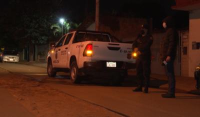 Tras denuncias por supuesta fiesta, policía interviene en casa de dirigente político