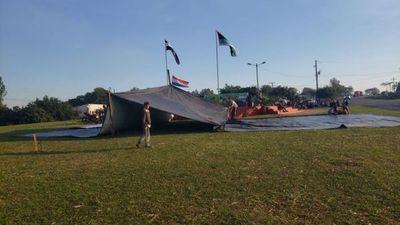 Indígenas acampan en rotonda de Yasy Cañy para exigir devolución de tierras ancestrales