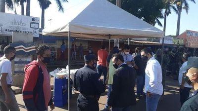 Gobierno y comerciantes inician diálogo para reactivar la economía en las fronteras