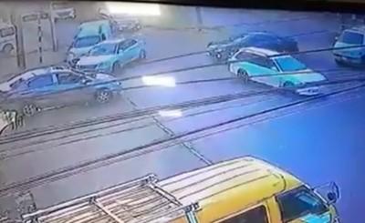 Triple choque deja solo daños materiales en la Avda. San José