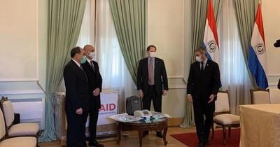 Embajador de EEUU realiza aclaración sobre respiradores donados a Paraguay