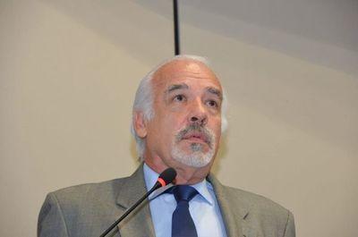 """El presidente debe cambiar al 90% de su gabinete: """"Mario Abdo está en caída libre"""", dice Dr. Filártiga"""