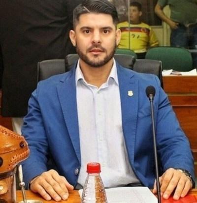 Intendente de Asunción prohíbe a funcionarios tener barba pronunciada y cabello suelto