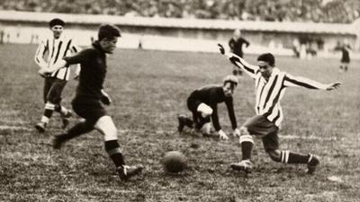 La primera victoria y el primer gol de Paraguay en los Mundiales