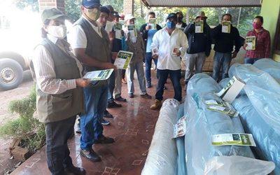 Productores reciben donaciones del MAG