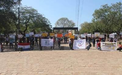 Estudiantes marchan por reivindicaciones