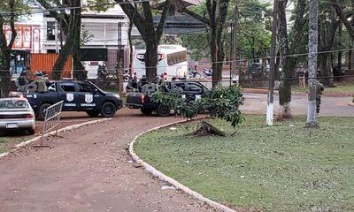 Trasladan a cárceles a detenidos que se encontraban en calabozo de la Dirección de Policía