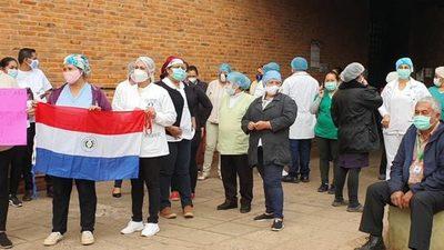 Funcionarios de salud de Concepción exigen gratificación por exposición al Covid-19