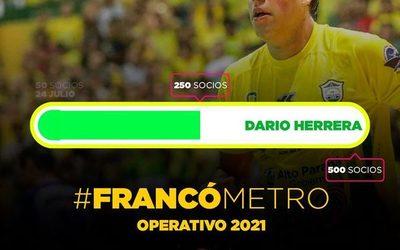 Franco convierte a hinchas en socios para contratar a Herrera