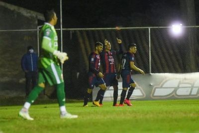 Cerro Porteño festeja en los Jardines y confirma su gran reinicio
