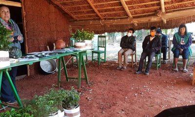 Con 2.500 plantines, Itaipú arboriza dos comunidades indígenas en Yguazú