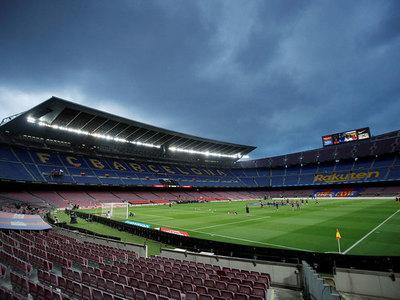 El juego de Barcelona y Napoli se mantiene en el Camp Nou