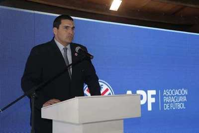 Negocio del fútbol de nuevo en jaque: APF analiza parar de nuevo la pelota