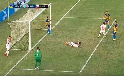 La increíble situación de gol que malogró Richard Fernández