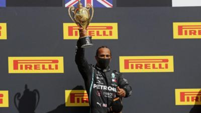 Hamilton ganó el GP de Gran Bretaña con neumático pinchado