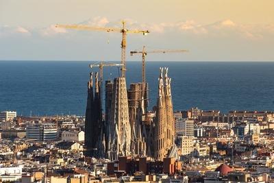 Por rebrote, Cataluña impone nuevas restricciones a sector gastronómico